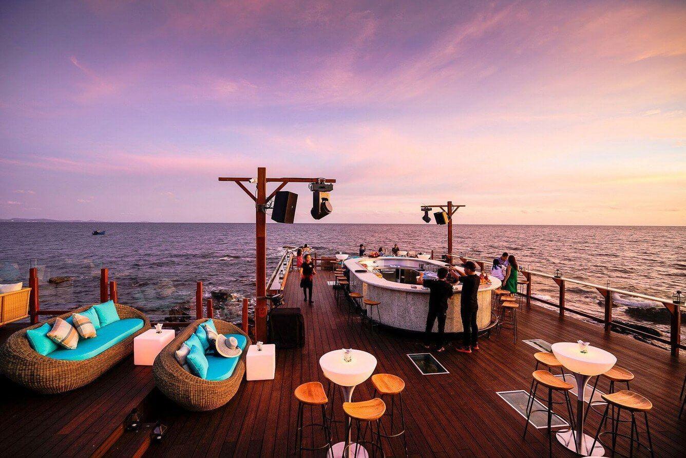 5 quán bar ven biển đẹp nhất Phú Quốc 6