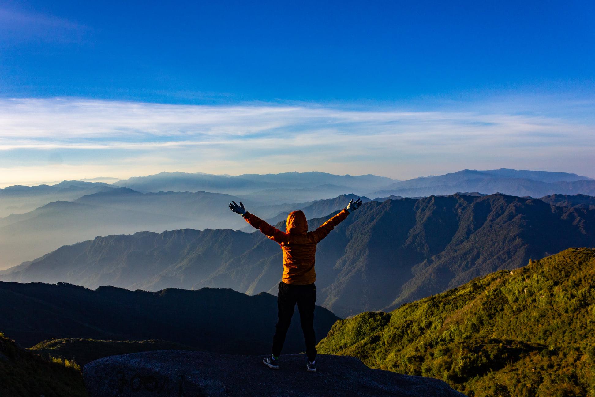 mùa leo núi Lùng Cúng Yên Bái